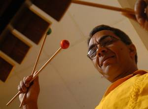 Alfredo Naranjo celebra sus 30 años musicales en Suka Bar