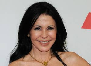 Maria Conchita Alonso regresa a la músicas con Shake It Out