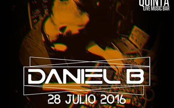 Dj Daniel B en la Techrraza de La Quinta Bar