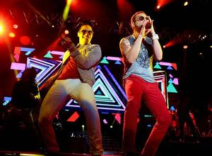 "Chino y Nacho y su ""Radio Universo Tour 2016"""