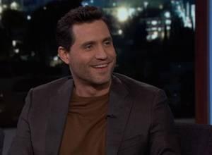 Edgar Ramírez habló cinco idiomas en el programa de Jimmy Kimmel