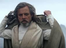 Mark Hamill dice que Luke Skywalker podría pasar al Lado Oscuro en 'The Last Jedi'
