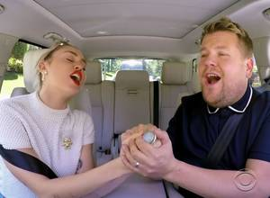 Mira a Miley Cyrus en Carpool Karaoke