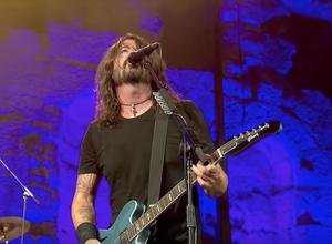Escucha a Foo Fighters en vivo en Atenas (video completo)