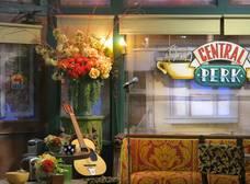 Warner Bros. estaría planeando hacer una versión real del Central Perk de 'Friends'