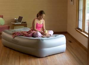 Coleman presenta su nueva cama inflable