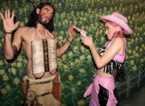 Katy Perry y su marido hablan de sus jueguecitos navideños