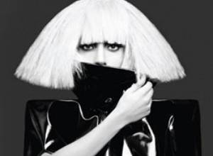 Ex asistente demanda a Lady Gaga por convertirla en su esclava
