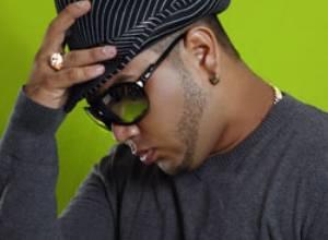 """Rayco llega al mercado musical venezolano enloqueciendo a sus seguidores con su tema  """"Y te hago enloquecerte"""