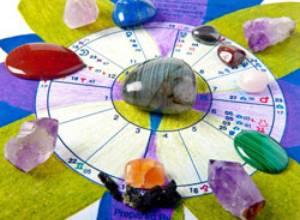 """""""Mandalas, Piedras y Mapas Natales""""  es una nueva forma de hacer astrología"""