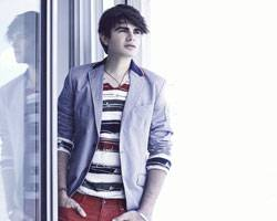 Jonathan Moly  nominado a los Premios Juventud!