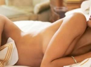 Dormir desnuda muy eficiente para bajar de peso