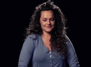 [VIDEO] ¿Cómo se siente cantar mientras un vibrador te masturba?