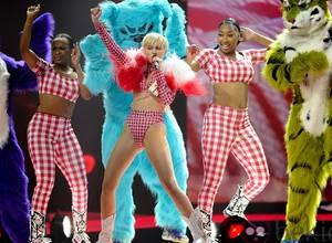 """Prohíben concierto de Miley Cyrus en República Dominicana por """"indecente"""""""