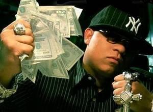 Así serían las canciones de reggaeton si fueran postales