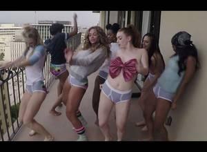 Muchas pantaleticas y traseros en el nuevo video de Beyoncé