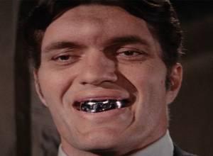 10 famosos antes y después de arreglarse los dientes