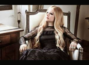 """Give You What You Like"" es el nuevo video de Avril Lavigne"