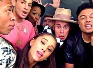 "[VIDEO] Justin Bieber y Ariana Grande protagonizaron ""I Really Like You"" de Carly Rae Jepsen"
