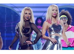 Mira la presentación de Britney Spears con Iggy Azalea en los Billboards