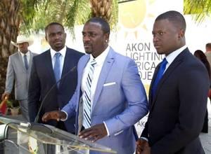 Akon planea llevar electricidad a 600 millones de Africanos