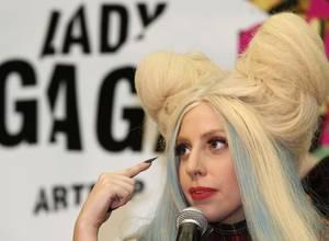 Lady Gaga impactó a todos en esta alfombra roja
