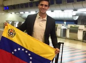 Chalequean a Mister Venezuela por este traje típico