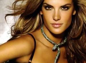 La angelita Alessandra Ambrosio se desnuda para la revista Maxim