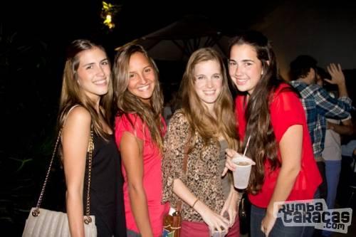 Chicas follando en la discoteca - Lesvianas follando en la ducha ...