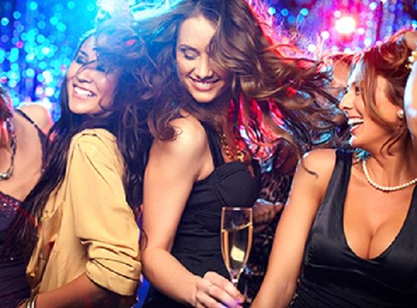 Ladies Night en Maroma Bar