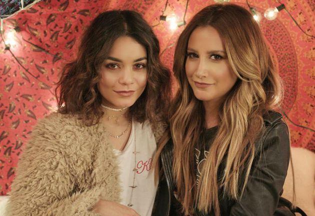 Este es el dueto de Vanessa Hudgens y Ashley Tisdale que llevabas esperando 11 años