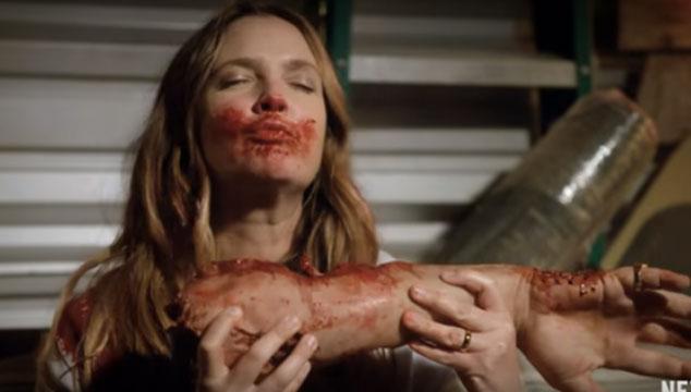 Mira el raro tráiler de 'Santa Clarita's Diet', la comedia caníbal de Netflix