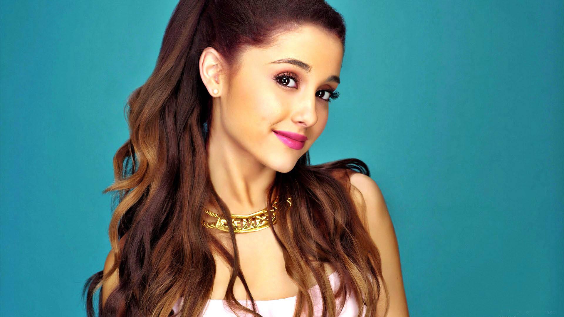 """""""Broken..."""" dice Ariana Grande"""