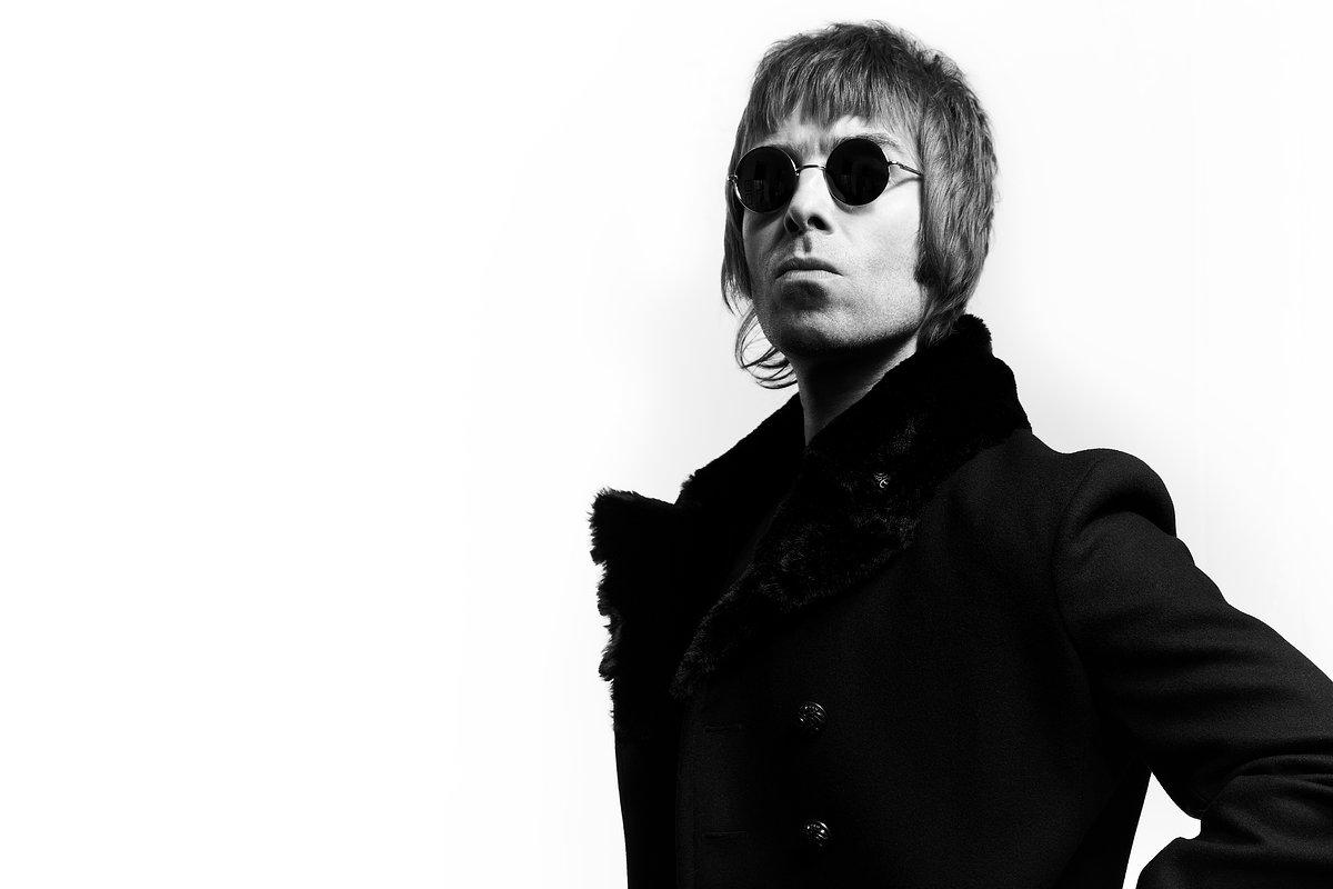 Liam Gallagher debutó como solista en el Late Nigh Show de Stephen Colber