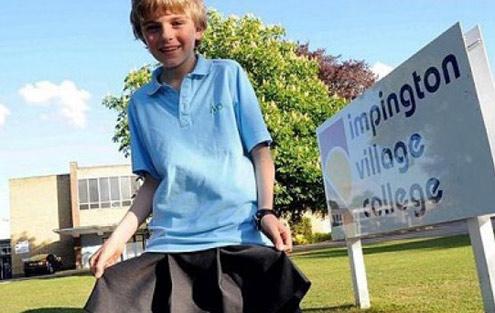 Niño de 12 años va con falda al colegio a modo de protesta