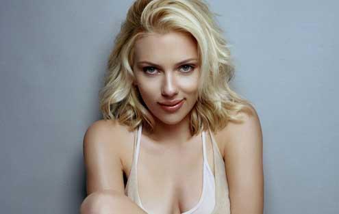 Filtran en la red fotos de desnudo de Scarlett Johansson