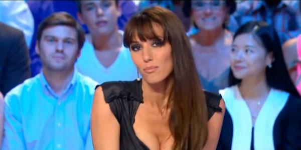 Periodista Francesa Se Desnuda Tras Clasificación De Francia Al