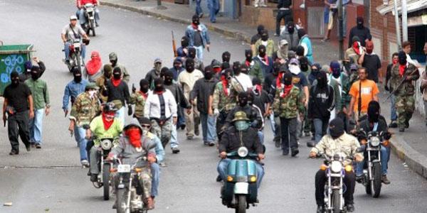Dirigente vecinal de Catia explica cómo funcionan las bandas armadas