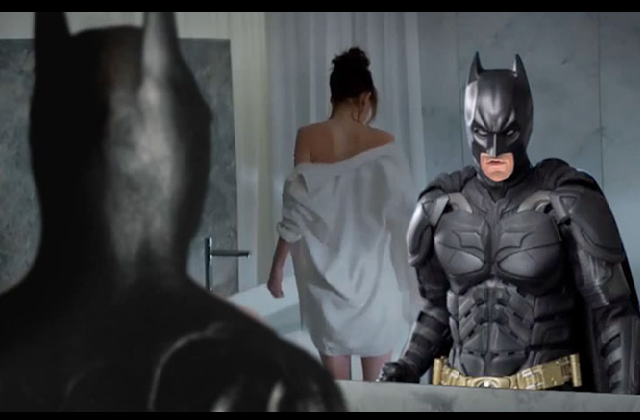 "[VIDEO] Si Batman protagonizara ""50 Sombras de Grey"""