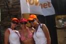 Natalia Castillo junto a chicas Movilnet