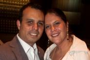 Leonel y Ana celebrando aniversario en el concierto