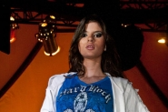 Chicas Rockeras modelando en Hard Rock