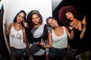 Las bellas Dancers Jamming Ladies