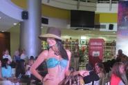 Chicas sexys en el Tolón Fashion Mall